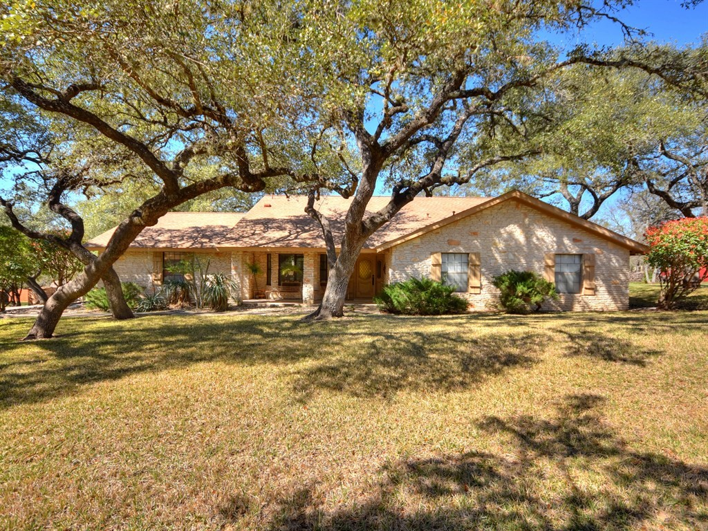 2500 Deer Trail Cir
